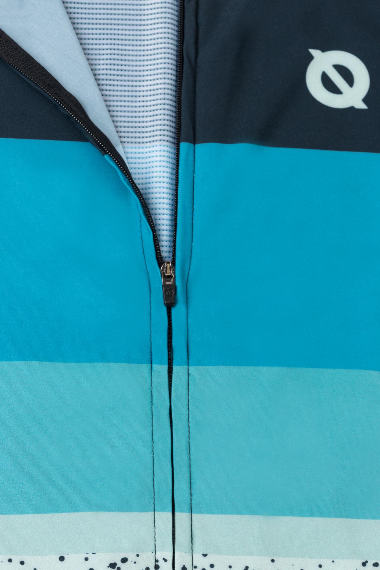 Detalle de ropa deportiva de ciclismo
